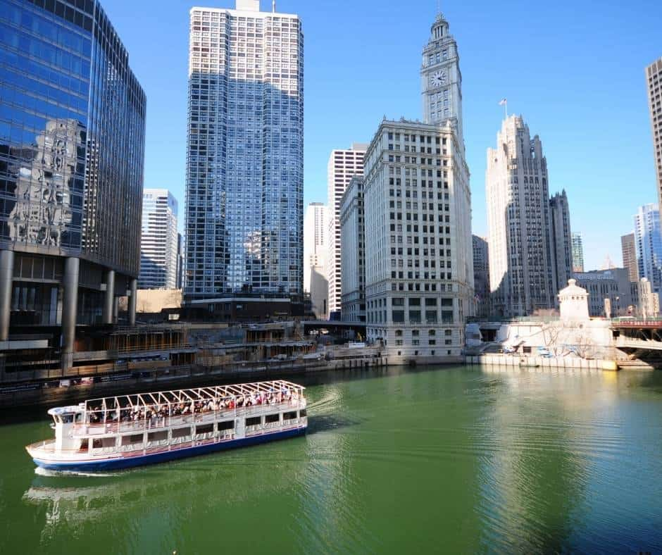things to do in Chicago with kids include taking a boat tour