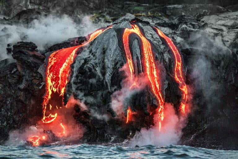 fun things to do in Hawaii see lava