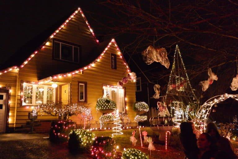 portland-christmas-lights-peacock-lane