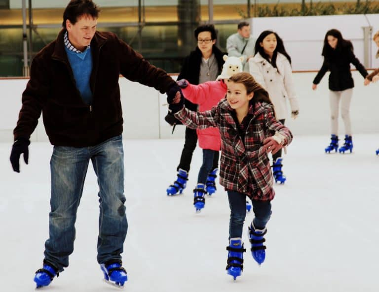 Seattle-Christmas-events-ice-skating
