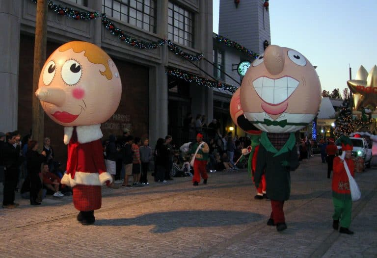 holidays at theme parks universal studios photo by flickr jared422