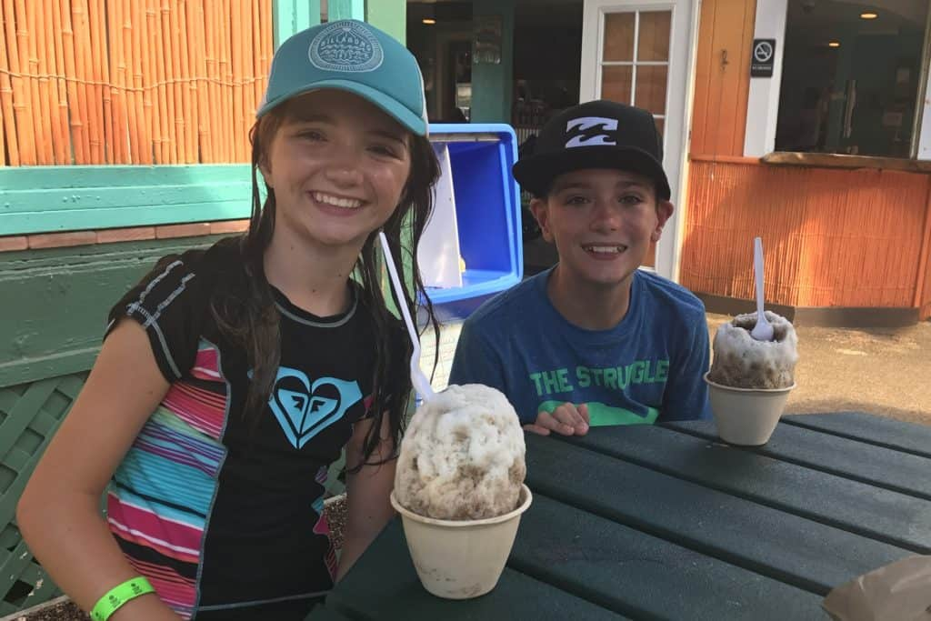 JoJos Shave Ice Kauai with kids