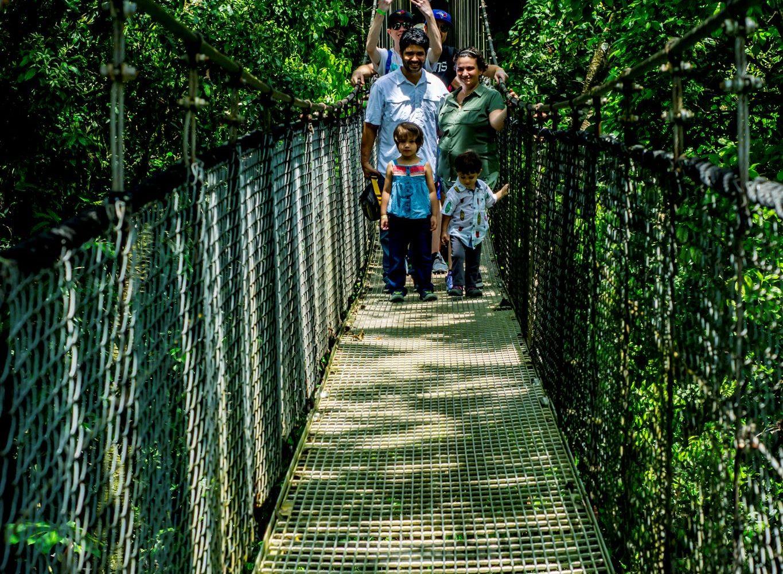Costa Rica tours in Arenal hanging bridges