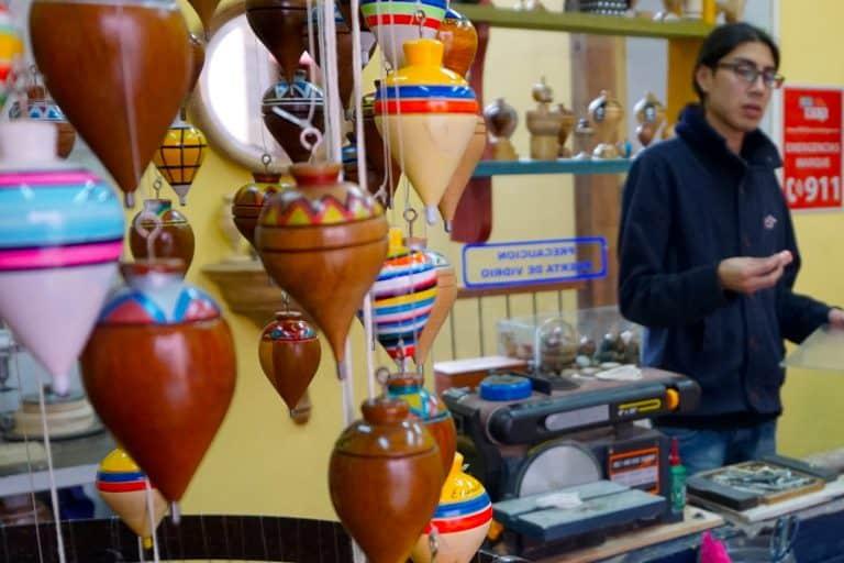Quito: La Rhonda Wooden Tops Shop