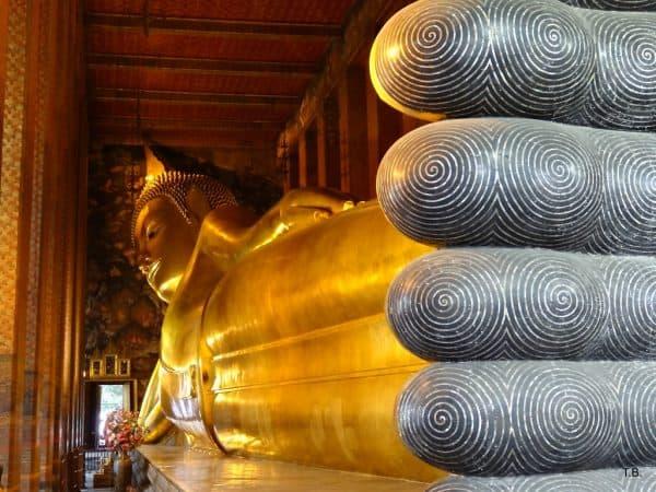 Bangkok Temple - Wat-Pho Reclining Buddha