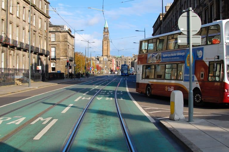 https://blog.trekaroo.com/wp-content/uploads/2019/03/Things-To-Do-In-Edinburgh-Photo-by-Flickr-by-beqi.jpg