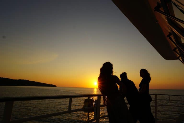 Costa Rica Cruise Sunset Uncruise