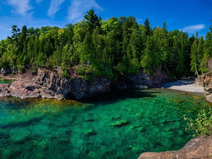 10 Fun Things to do in Michigan with kids | Michigan Family Vacation