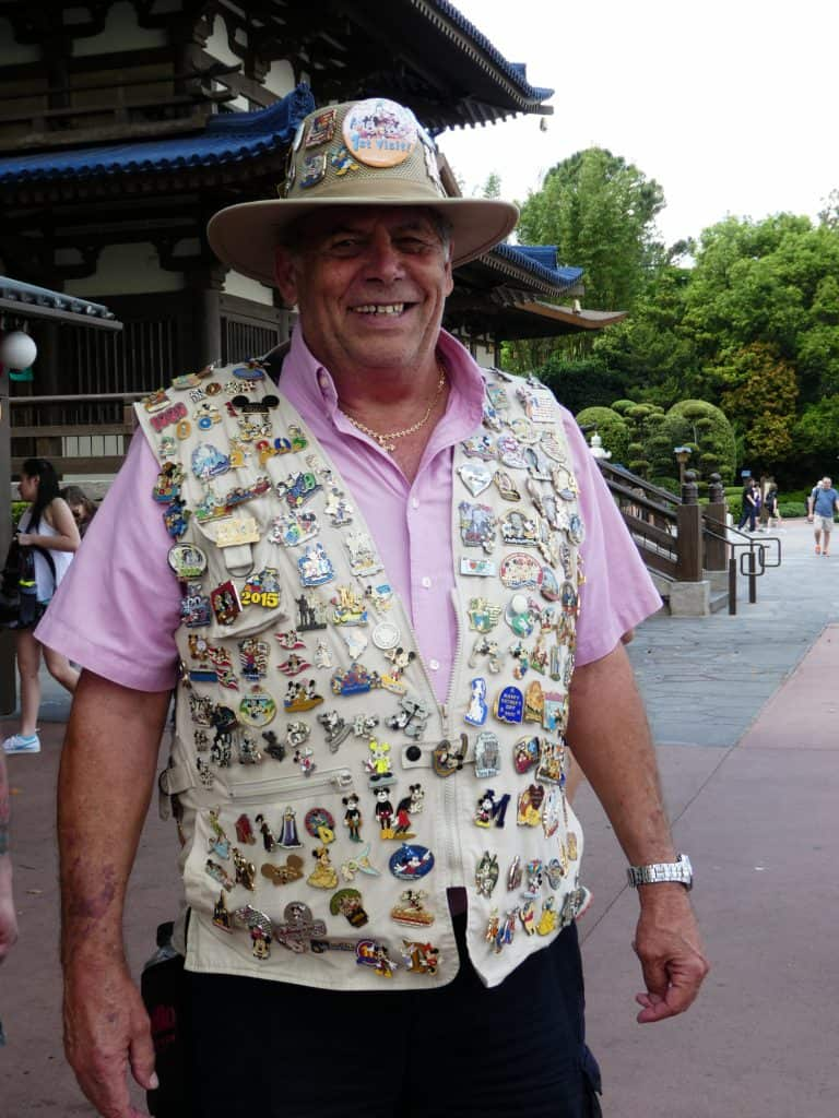 Disney pin trading: with guests
