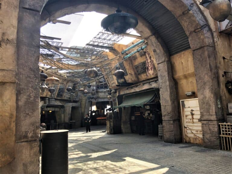 Black Spire Outpost Market Star Wars Galaxy's Edge Tips