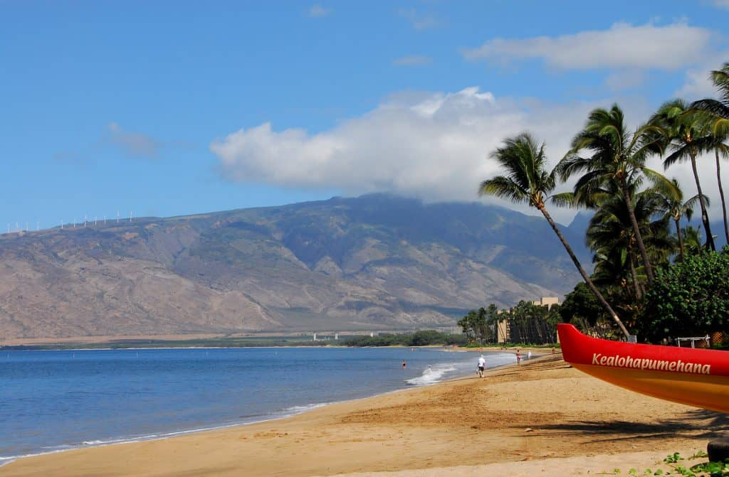 things to do in Maui outrigger canoe