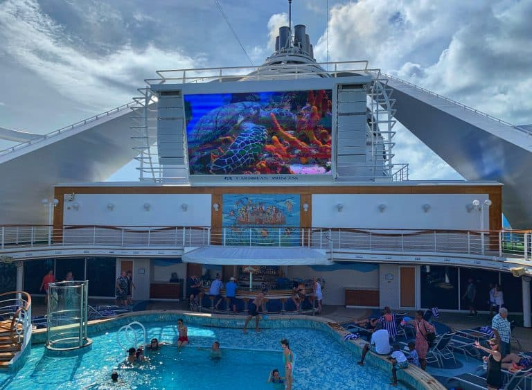 Caribbean-Cruise-Packing-List- Fun-in-the-Pool