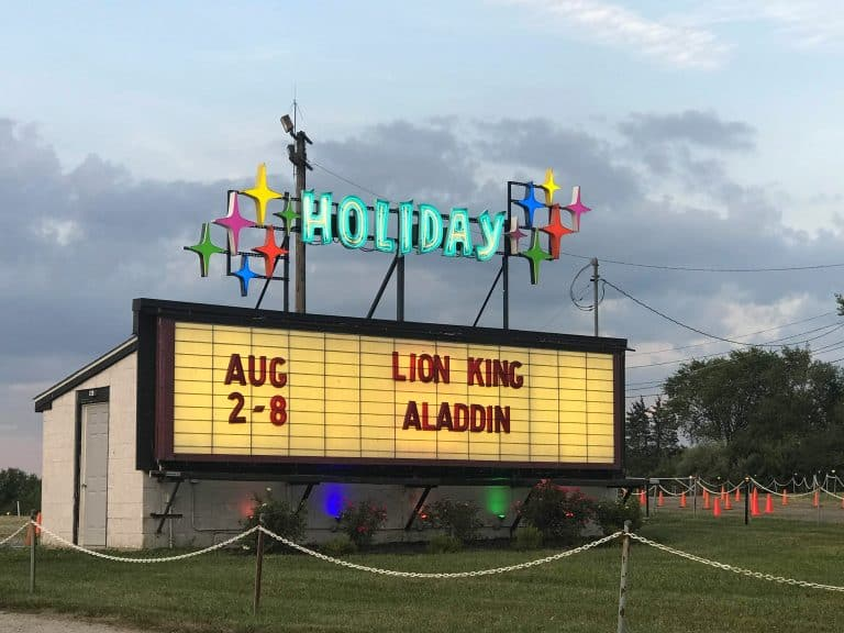 Things to do in Butler County, Ohio: Holiday Drive-In Theater