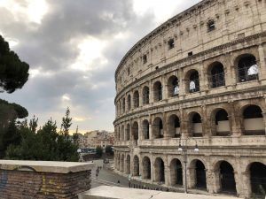 Rome Colosseum Tours outside
