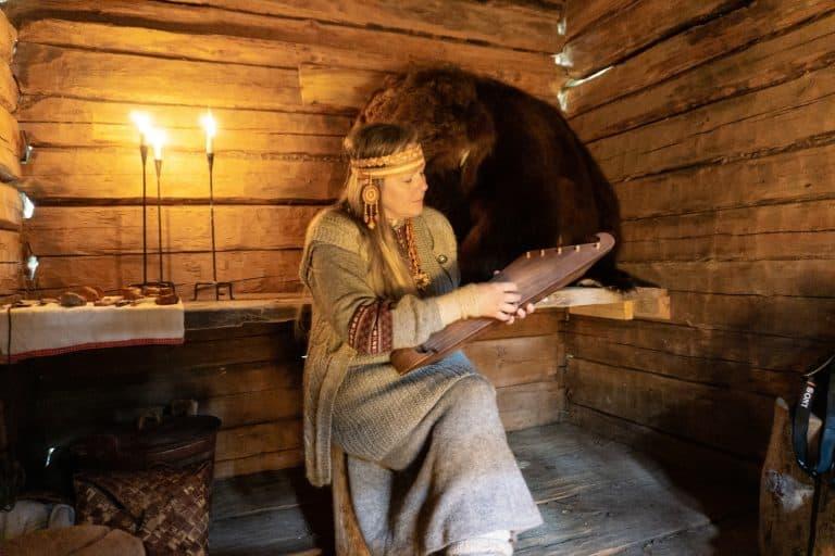 Folk Music and the Bear Hut at Nuuksion Taika