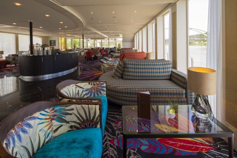 AmaViola Lounge