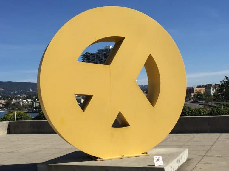 Peace sign sculpture at the Oakland Museum