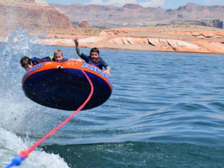 Lake Powell Houseboat Trip, An Ideal Multigenerational Outdoor Getaway
