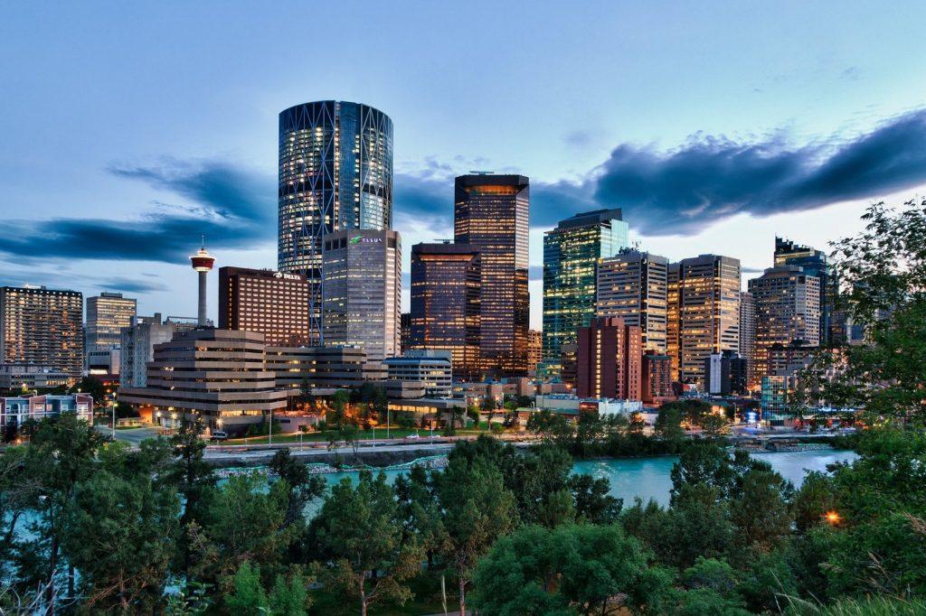 Calgary to Banff Drive begins in Calgary