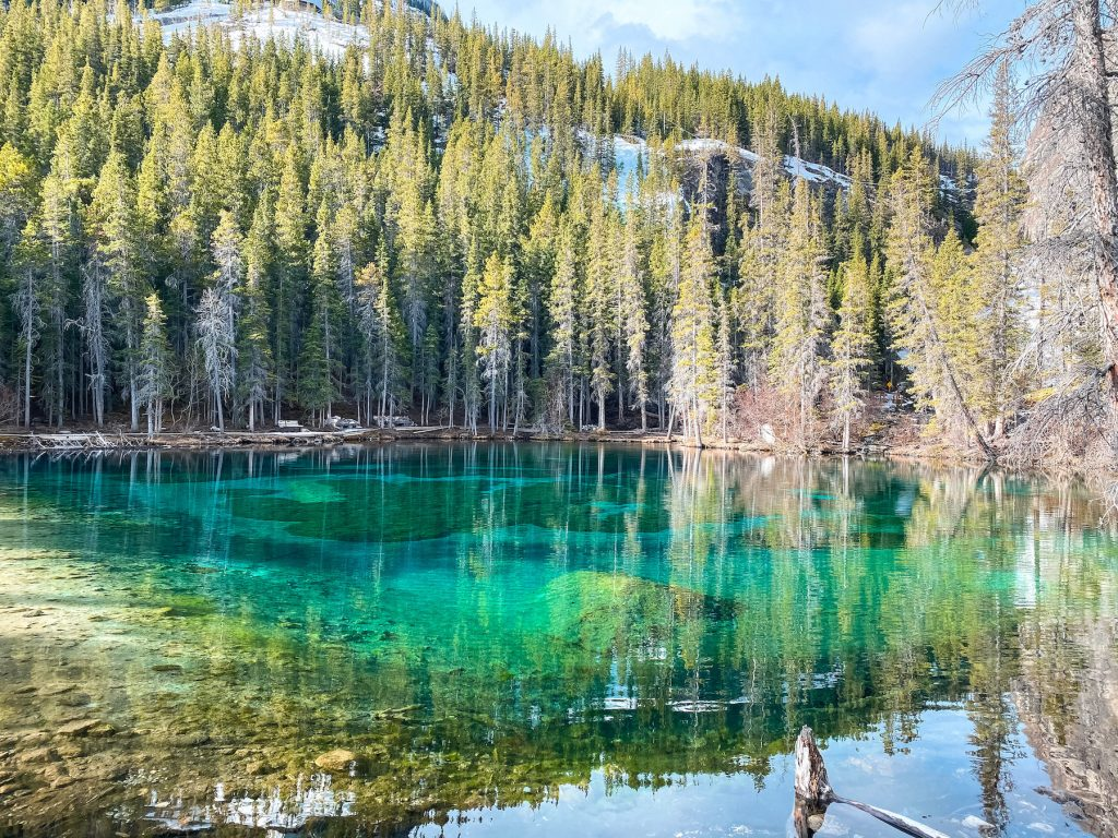 Calgary to Banff Drive includes a stop at Grassi Lakes