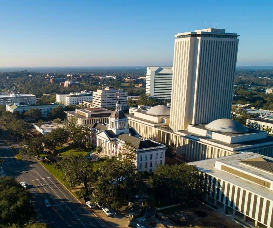 things to do in Tallhassee with kids include visiting the capitol building