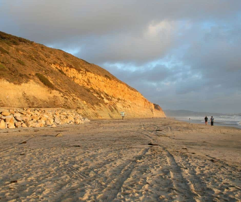 One of the best beaches near San Diego is Torrey Pines State Beach