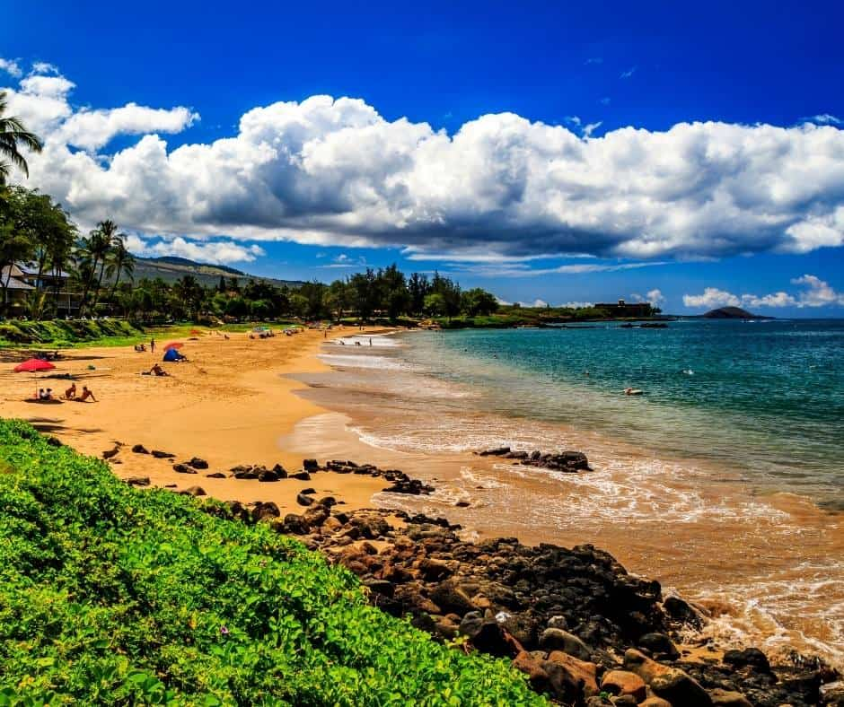 This image has an empty alt attribute; its file name is Best-Beaches-in-Maui-Kamaole-2.jpg