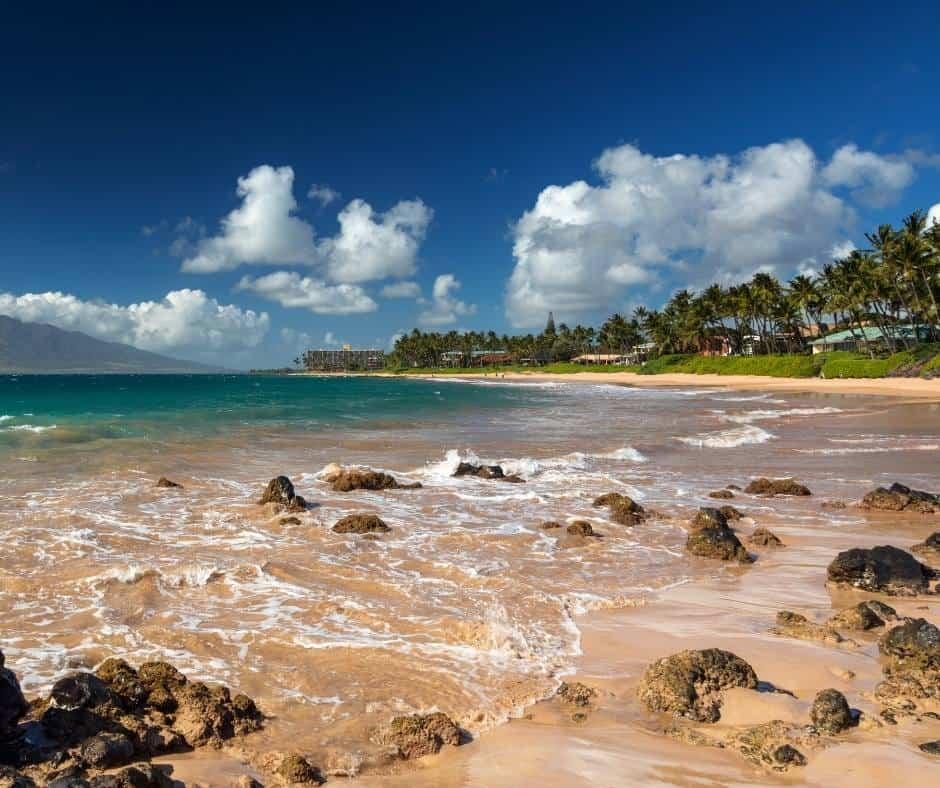 This image has an empty alt attribute; its file name is Best-Beaches-in-Maui-Keawakapu-Beach.jpg