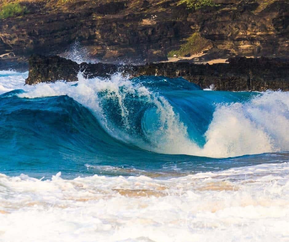 Big waves at Sandy Beach, Oahu