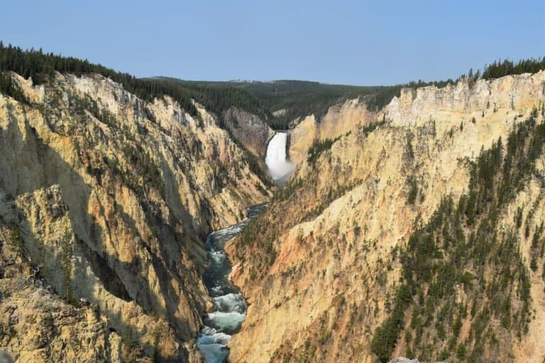 one of the best things to do in Yellowstone National Park is visit the Grand Canyon of Yellowstone