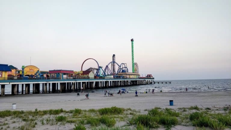 things to do in Galveston include the Pleasure Pier