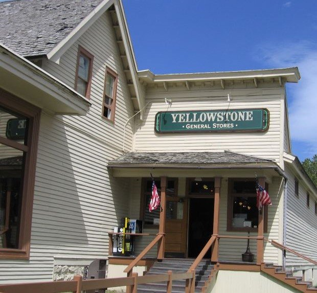 Over 25 Amazing Things to do in Yellowstone with Kids 7
