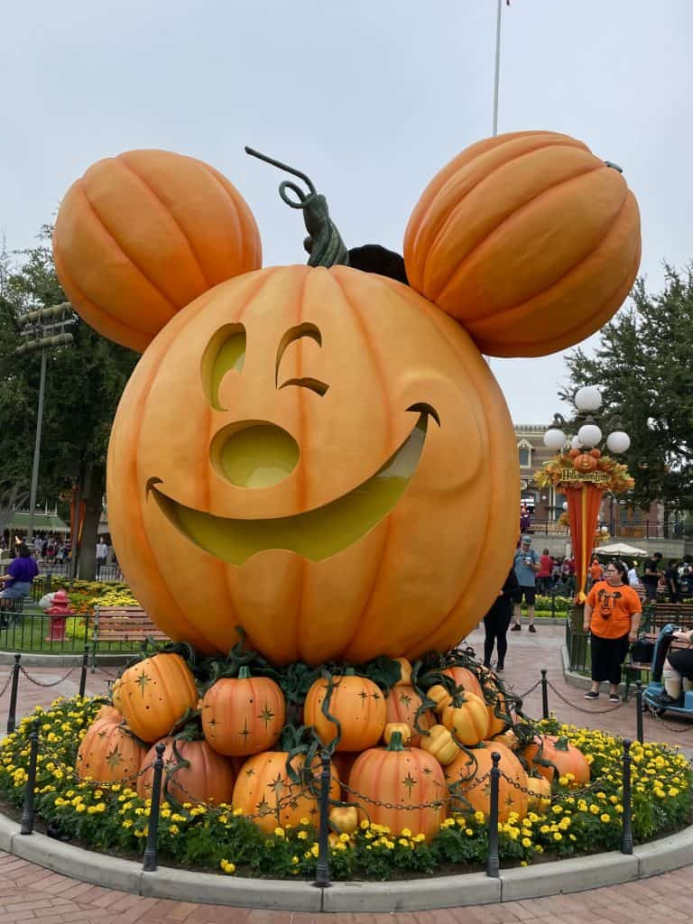 Disneyland Halloween 2021 | Oogie Boogie Bash & More! 2