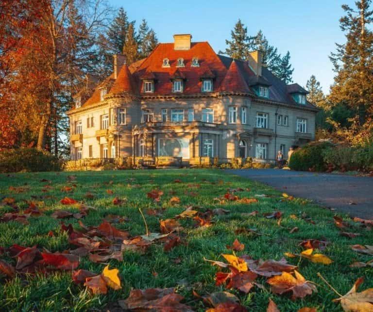 Pittock Mansionin the Autumn