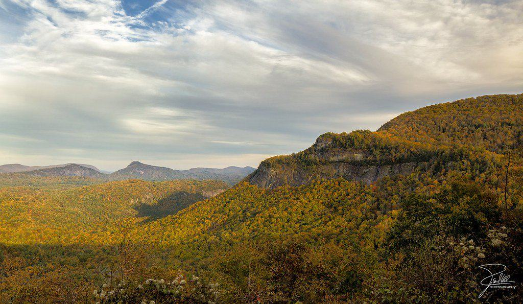 10 Amazing Places to See North Carolina Fall Colors 2